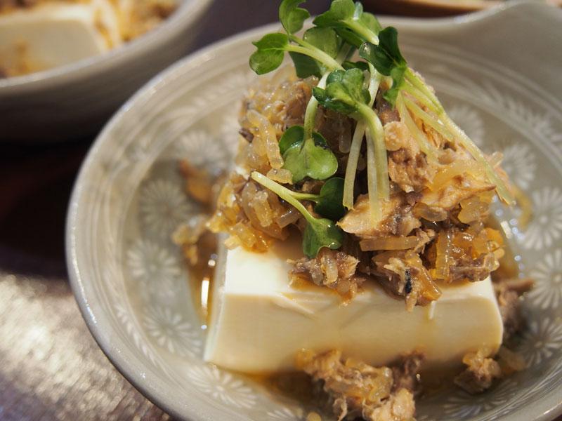 サバ缶フレーク豆腐のせ